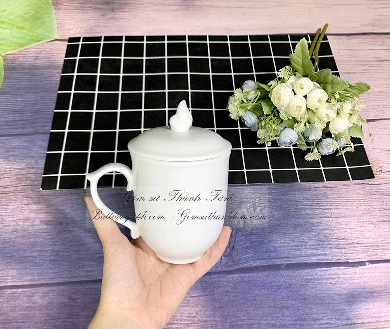 Có rất nhiều mẫu ly sứ quà tặng cho bạn lựa chọn làm quà tết tại Battrang24h
