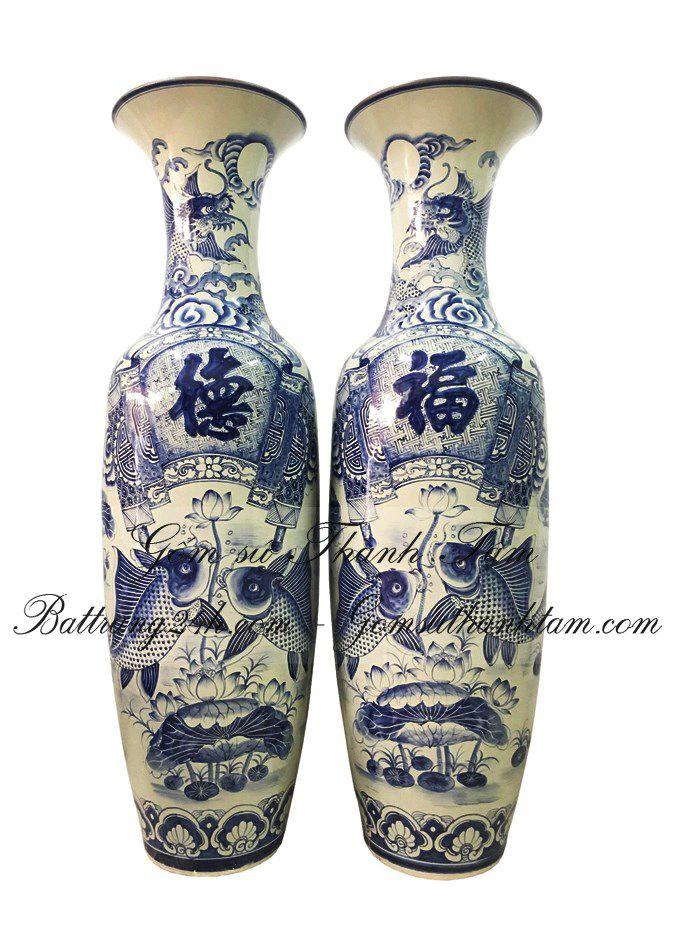 Giá bán mẫu 2 chiếc lọ lục bình bằng gốm sứ bát tràng màu men xanh, lọ lục bình vẽ cảnh phúc đức cao cấp chất lượng đẹp mắt đẳng cấp